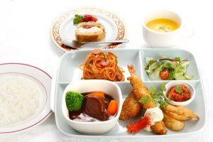 小学生夕食イメージ